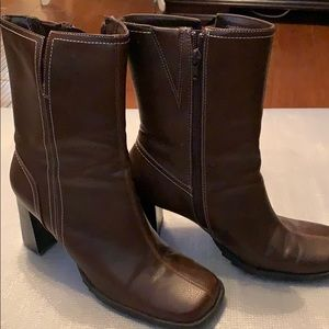 Predictions brown leather boots size 91/2
